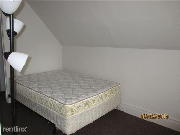 3rd Floor - Bedroom #6 (8 of 8)