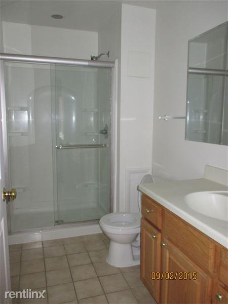 2nd Floor - Full Bathroom (2 of 3)