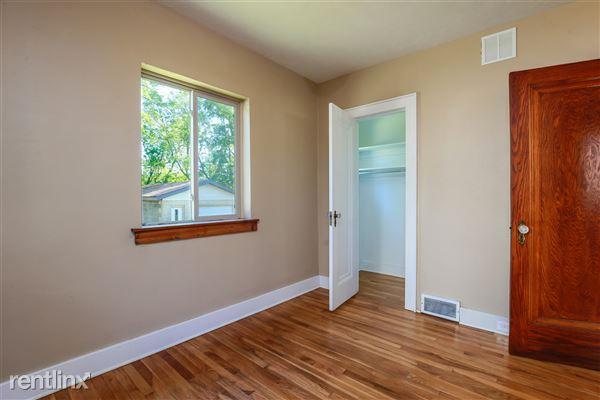015-Bedroom-4293943-medium