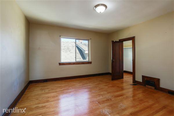 017-Bedroom-4293961-medium