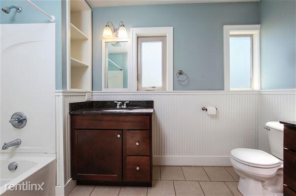 020-Bathroom-4293964-medium