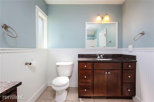 022-Bathroom-4293966-medium