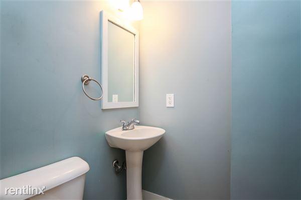 016-Powder_Room-4293939-medium