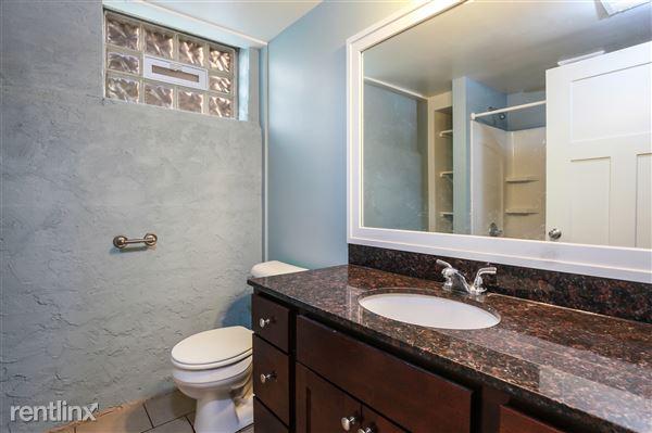 021-Bathroom-4293972-medium