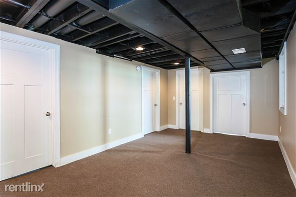 024-Hallway-4293971-medium