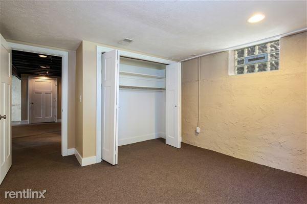 025-Bedroom-4293967-medium