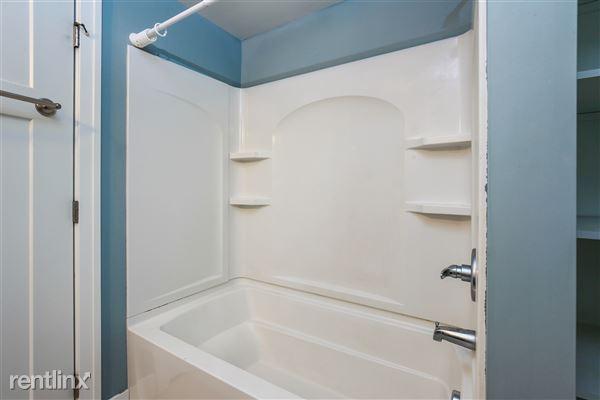 028-Bathroom-4293970-medium