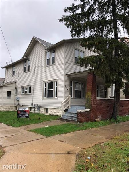 564 Pettibone Ave NW, Grand Rapids, MI