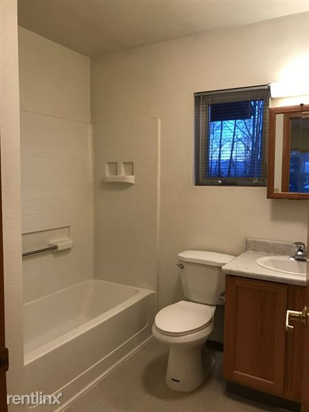 Ridgecrest Bathroom
