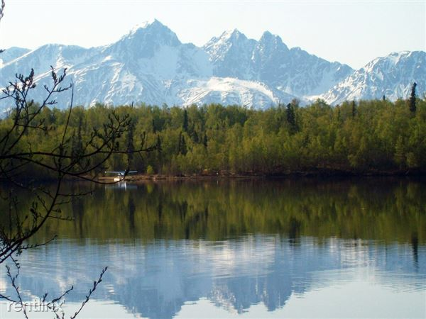 Cottonwood_Lake,_near_Wasilla,_Alaska
