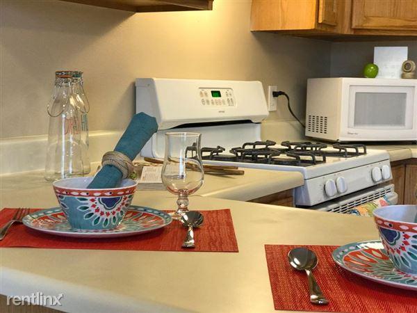 Ridgecrest Kitchen 4