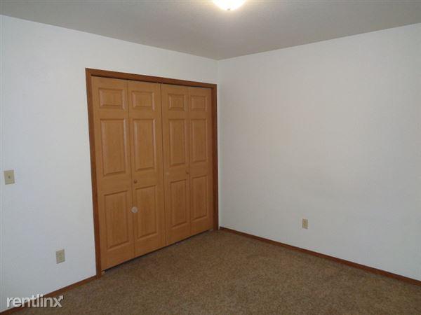 Fishhook 3 BDR Bedrooms 1 & 2 (1)