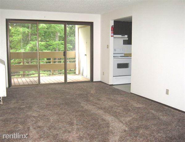 2 BV 1 BDR Living Room