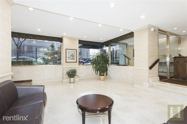 Spacious & inviting lobby waiting area for your guests or for when waiting for an Uber/Lyft.