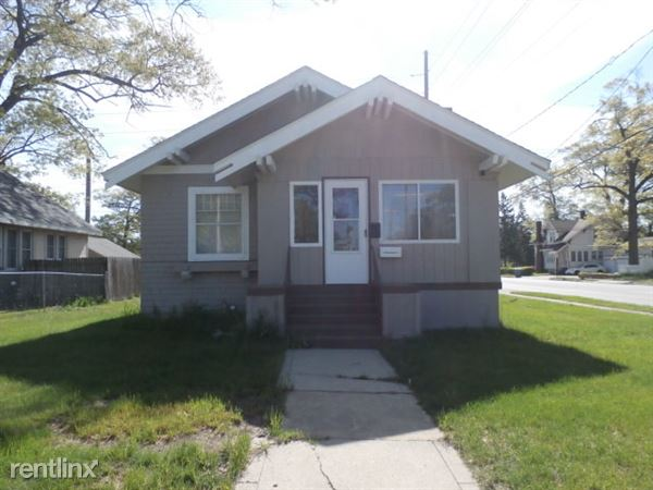 2144 Sanford St, Muskegon Heights, MI