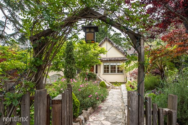 2505 2nd Avenue, Carmel, CA