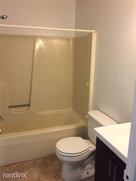 Boxbaum upper level bath  mother daughter unit