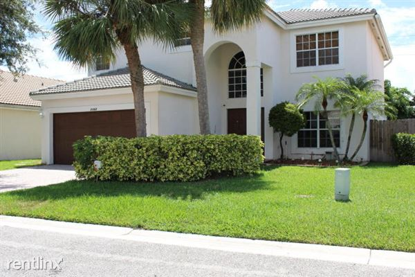 7162 Lake Island Dr, Lake Worth, FL