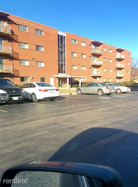 515 E End Ave Apt 103, Calumet City, IL