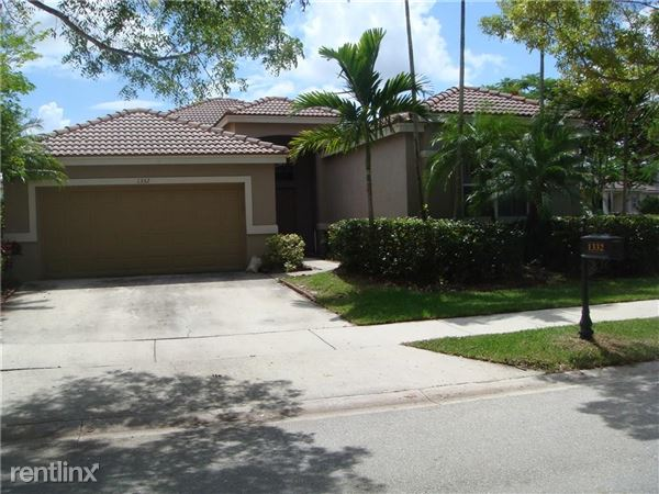 1332 Chenille Cir, Weston, FL