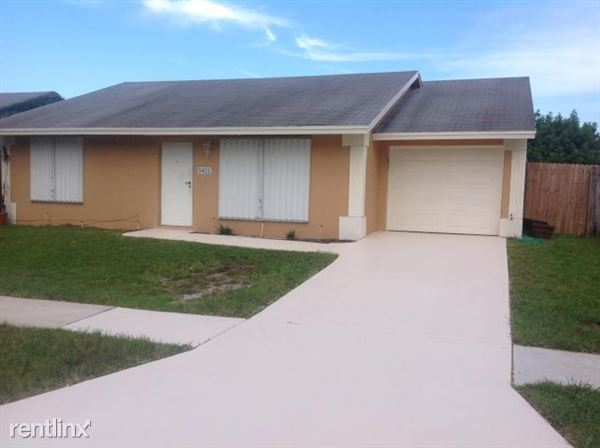 5421 Huddle Hill Rd, Lake Worth, FL