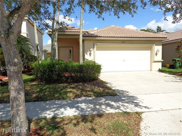 686 Conservation Dr, Weston, FL