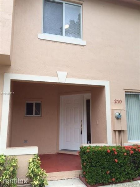 210 Riviera Cir # 210, Weston, FL