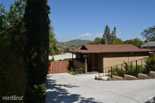 2905 Foothill Dr, Thousand Oaks, CA