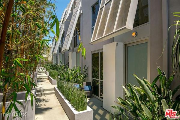 8223 Norton Ave Apt 3, West Hollywood, CA