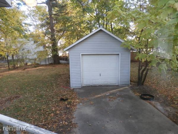 1-Stall Detached Garage