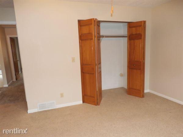 Bedroom 2-Closet