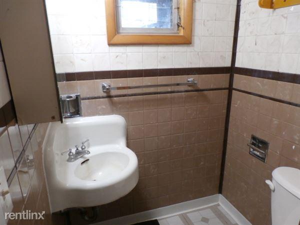 Basement 12 Bathroom