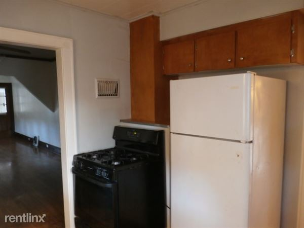Kitchen - RangeRefrigerator Included