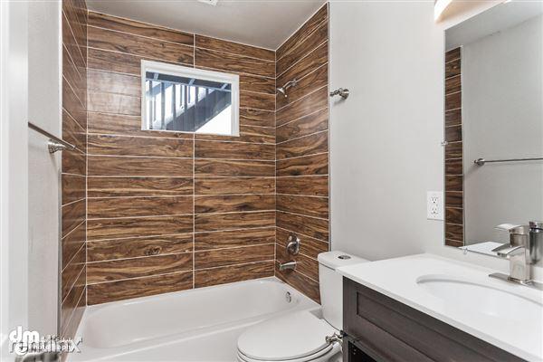 Bathroom_Unit 3 2088-SMALL
