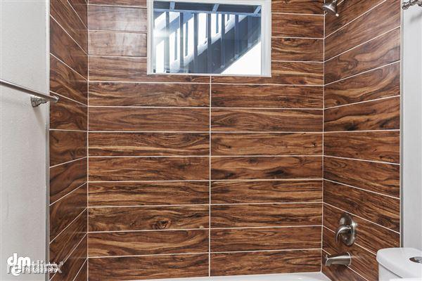 Bathroom_Unit 3 2089-SMALL