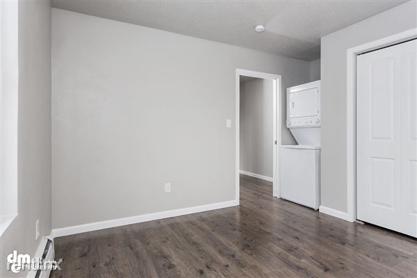 Bedroom_Unit 3 2086-SMALL