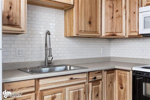 Kitchen_Unit 3 2096-SMALL