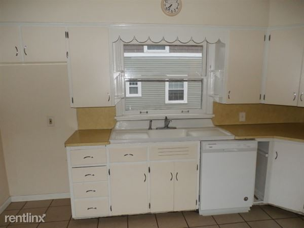 Kitchen- Dishwaher Included
