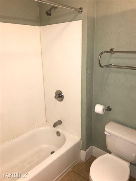 Upstairs Bathroom - Tub/Shower Combination