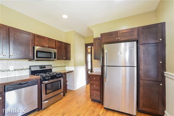 008-Kitchen-3066613-medium