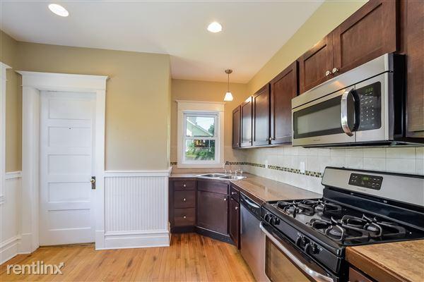 009-Kitchen-3066611-medium