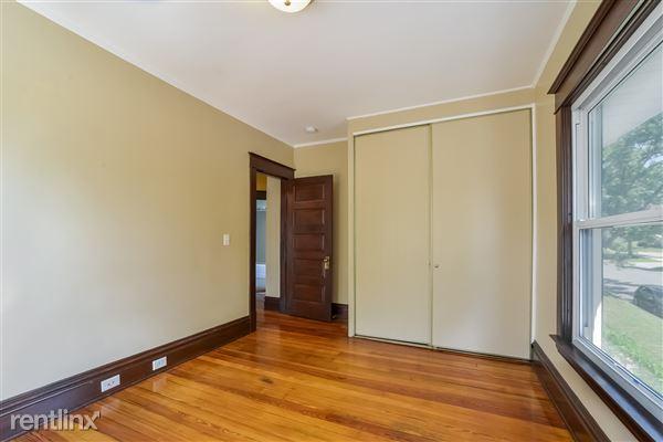 014-Bedroom-3066617-medium