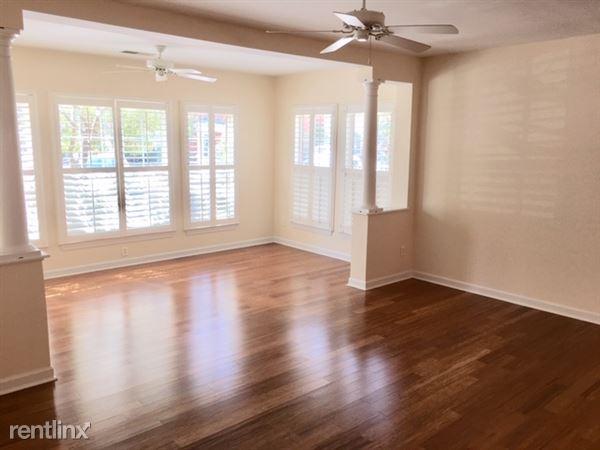 Beautiful hardwoods, specious living room!