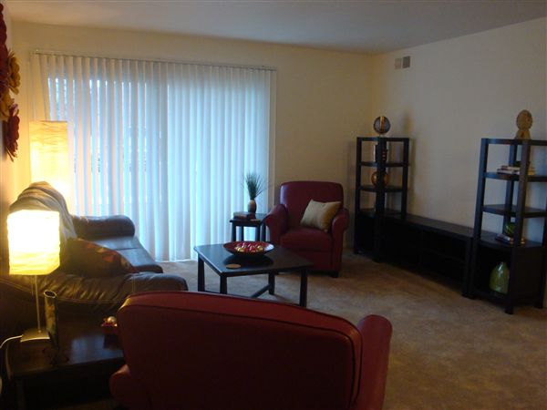 Viewpointe Village 2BR apartment NEWLY RENOVATED!