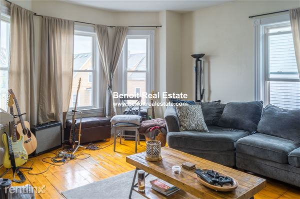 18 Stickney Ave Apt 3, Somerville, MA