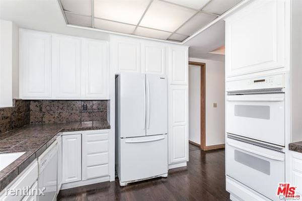 423 N Palm Dr Apt 102, Beverly Hills, CA