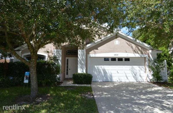 24653 Laurel Ridge Dr, Lutz, FL