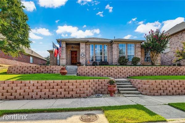 708 Summit Ridge, Lewisville, TX