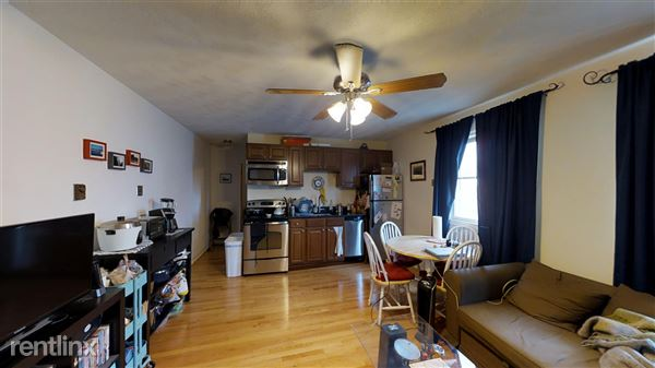 217 Holland St Apt 2A, Somerville, MA