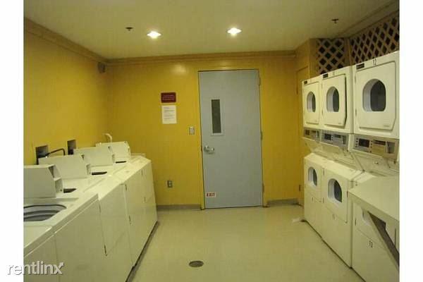 Plaza Laundry